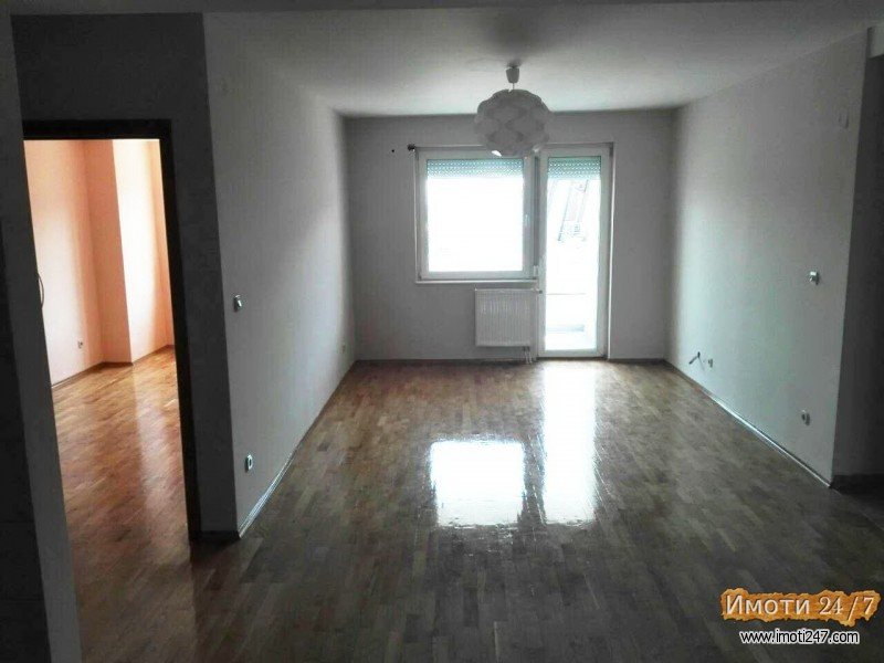 Се издава стан 80м2 празен кат 6 лифт во центар до подвожњак кај монте негро