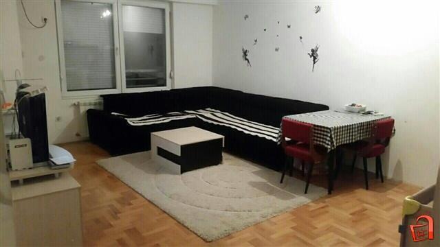Издавам наместен стан во Ново Лисиче