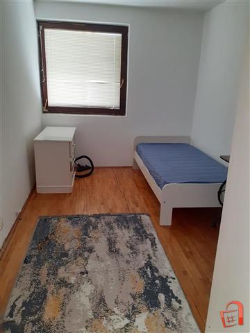 Se izdava renoviran stan 2 spalni - Karpos