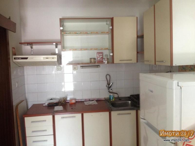 Се издава стан во Капиштец двособен 54м2 наместен парно клима 230 EVR