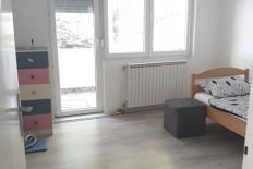 Се продава реновиран стан