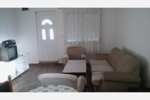 Izdavam Apartman 35m2 vo Dame Gruev
