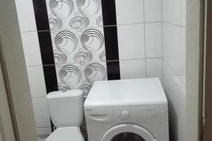 Издавам стан на 2 нивоа од 40 м2 во Карпош 1
