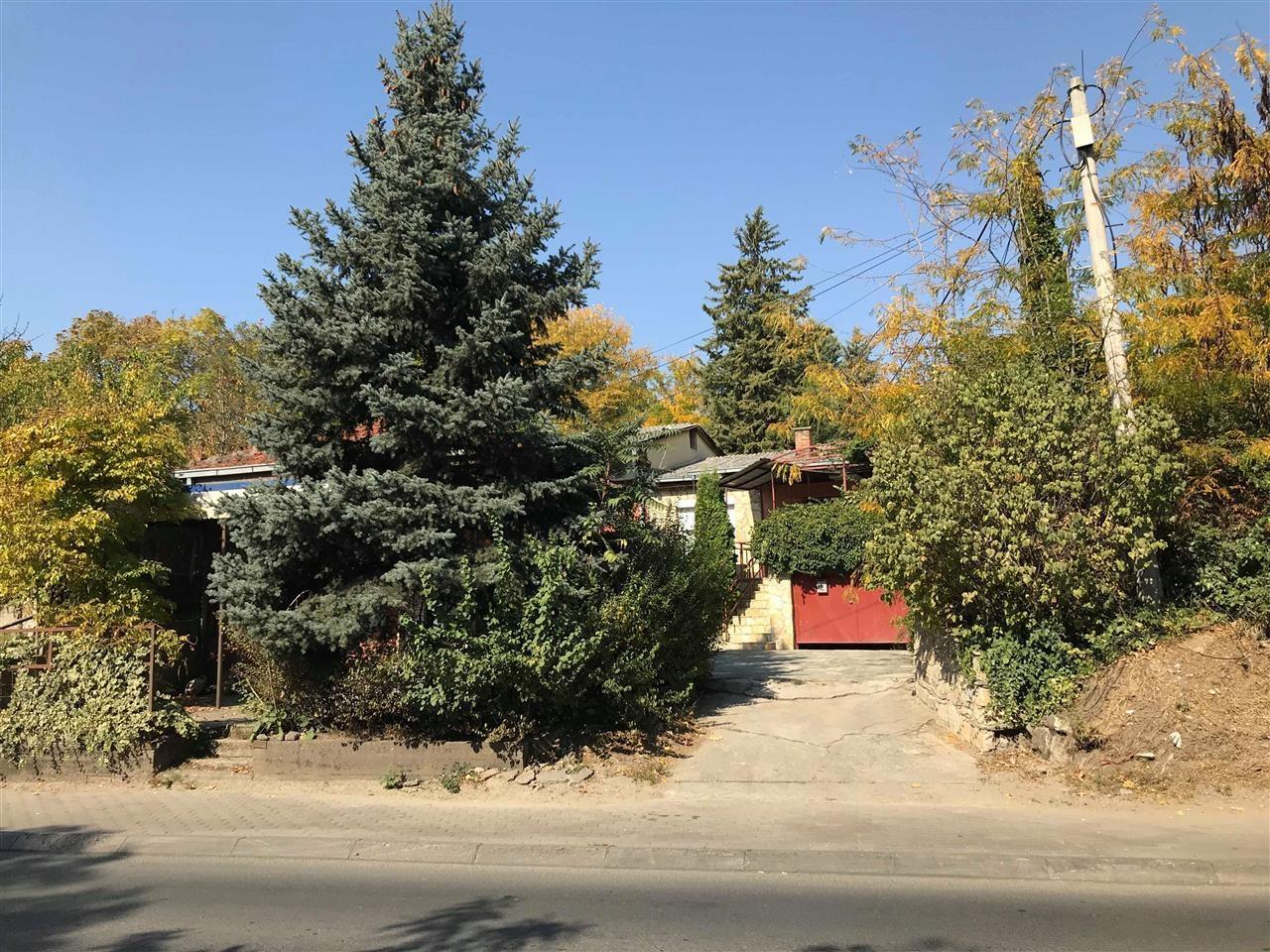 Се продава куќа во населба Ченто