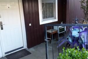 Prodavam finska baraka 53m2 so dvorno mesto 200 m2 I garaza vo naselba Lisice
