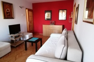 Izdavam stan vo mirna naselba vo Skopje