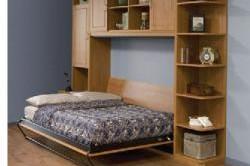 Како најдобро да го искористите малиот простор посебно во спалната соба