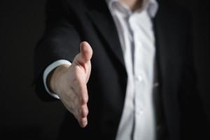 Зошто е добро да продадете или да купите стан преку агенција за недвижности