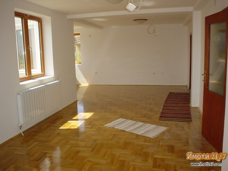 Продава Куќа во  нас Волково