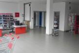 Се продава деловен простор 240м2 магацини и канцеларии