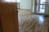 Се издава празен стан 70м2Капиштец  Деловен